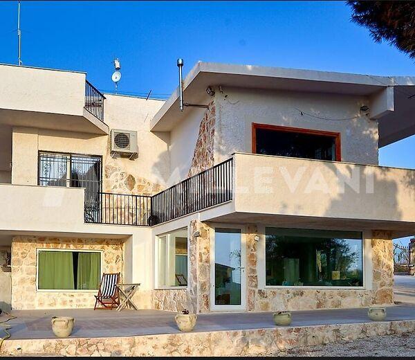 Villa ben rifinita in vendita a Cava D'aliga