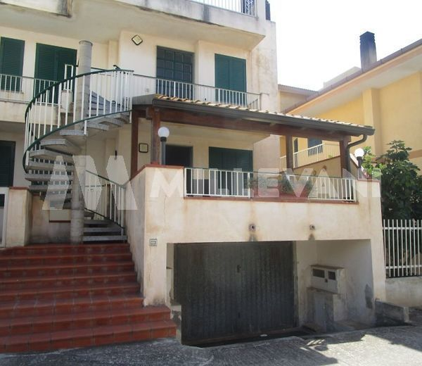 Appartamento piano rialzato in vendita a Sampieri