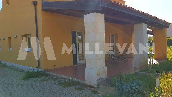 Ampia villa unifamiliare in vendita Pozzallo