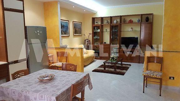 Casa singola ristrutturata a Pozzallo in vendita