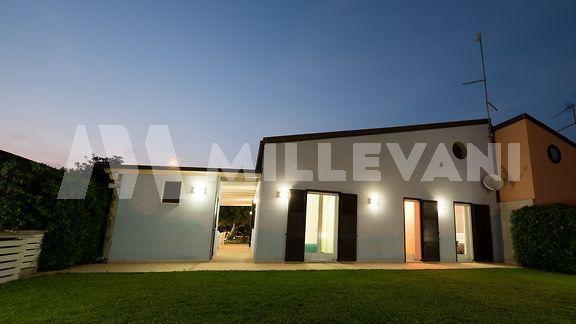 Villa a schiera secondo scivolo a Pozzallo a 150 metri dal mare