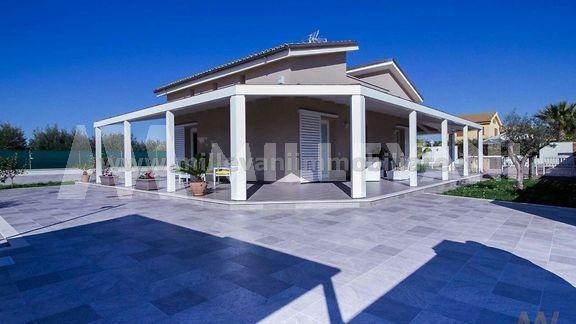 Villa moderna in vendita a Santa Maria del Focallo,Ispica