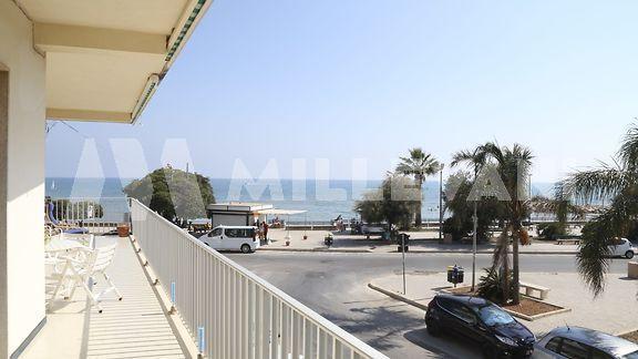 Appartamento con vista mare a Marina di Ragusa