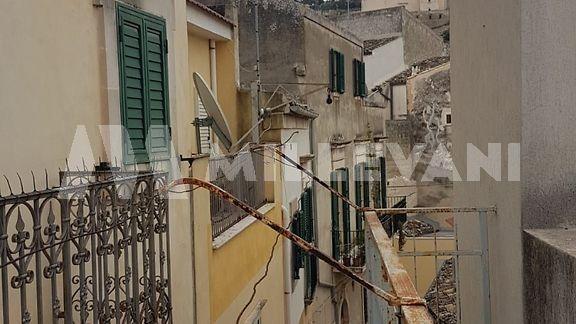 Casa singola su più livelli in via Mormino Penna a Scicli