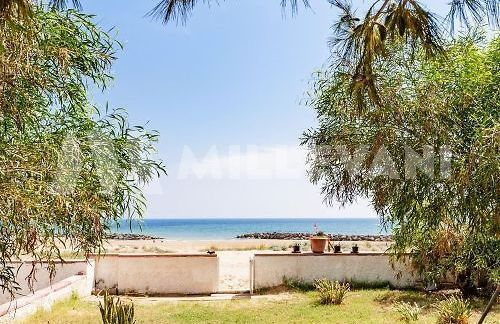 villa fronte mare in vendita a Donnalucata