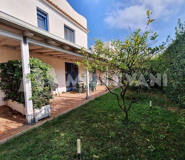 Villa a schiera in vendita a Marina di Ragusa