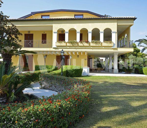 Elegante villa a Playa Grande, Scicli