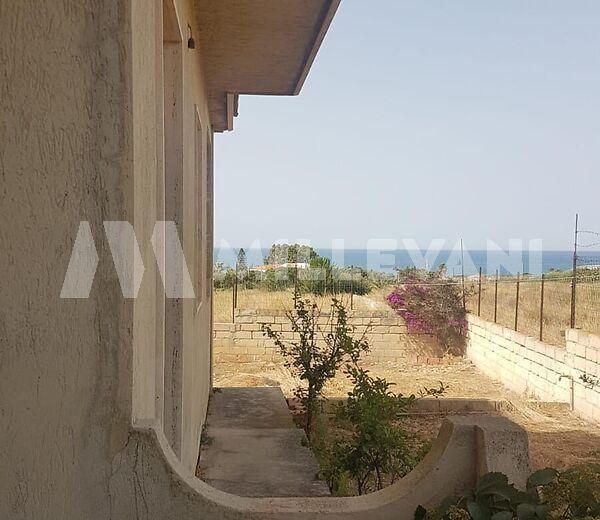 villa da rifinire in c.da Punta Corvo a Sampieri