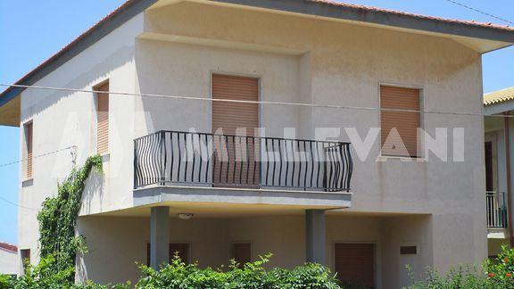 Villa con vista mare in vendita a Cava D'Aliga