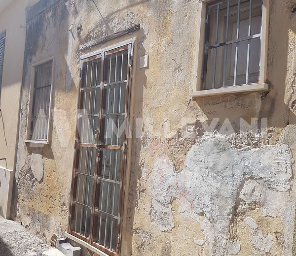 Casa singola da ristrutturare a Pozzallo
