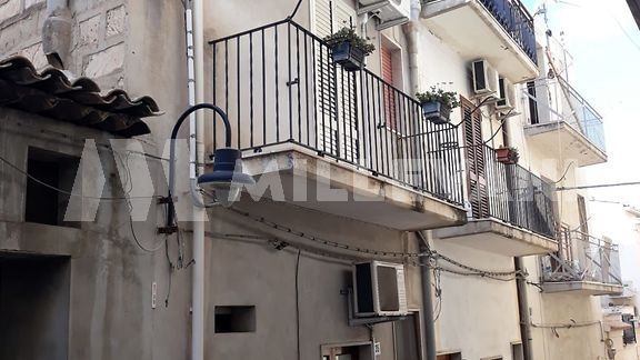 Casa singola a Scicli in vendita
