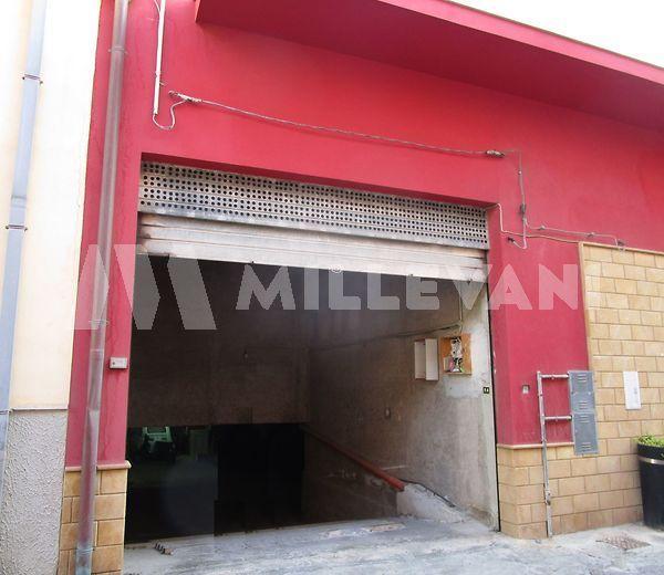 garage zona centrale in vendita a Pozzallo