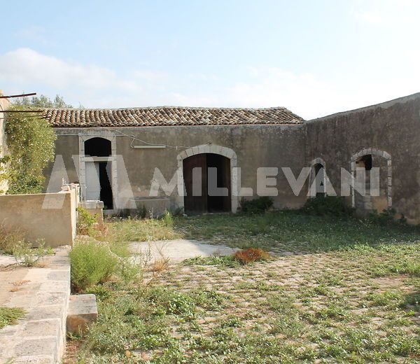 Antico caseggiato rurale in C.da Lanzagallo, Ispica
