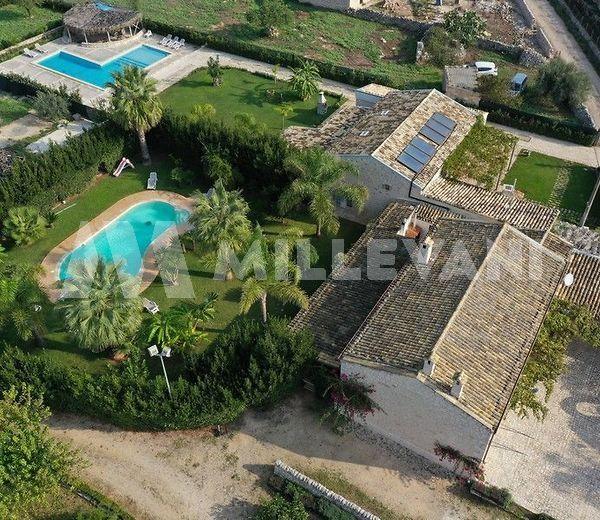 Affascinante resort composto da due ville a Scicli