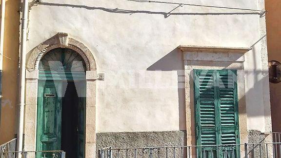 Casa indipendente in via Mazzini a Pozzallo