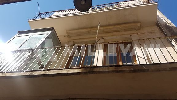 Casa singola su tre livelli a Scicli