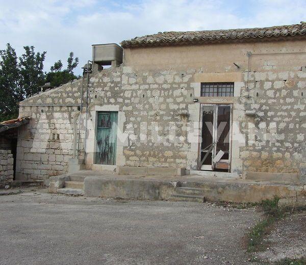 Casale rurale in C.da Torre Palombo, Scicli