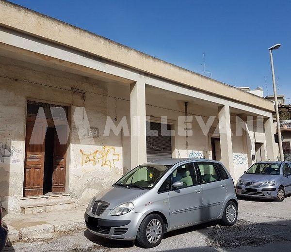 Bilocale da ristrutturare in centro storico Pozzallo