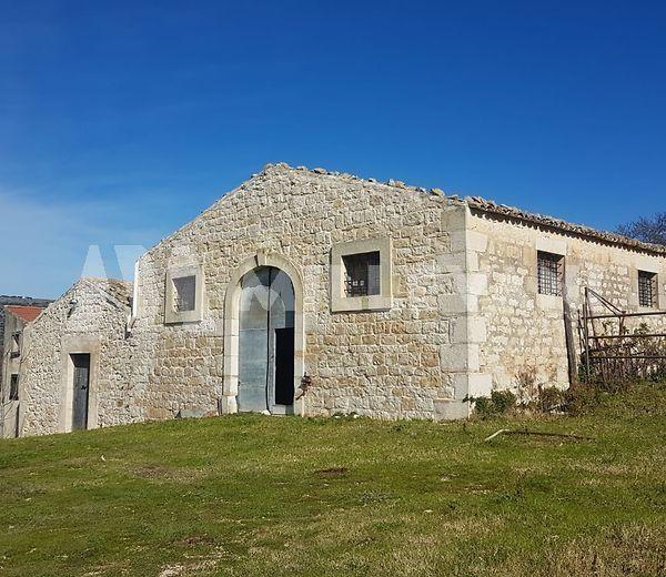 Caseggiato rurale a pochi chilometri da Scicli