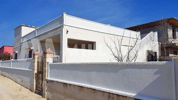 Appartamenti in villa a Santa Maria del Focallo, Ispica