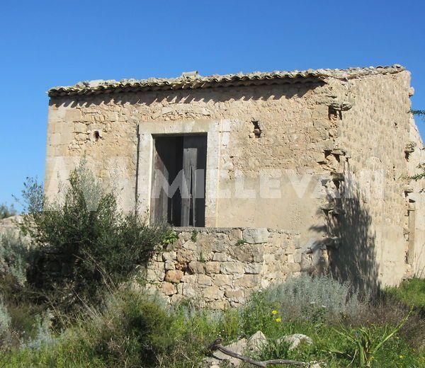 Caseggiato rurale in vendita a Cava D'Aliga
