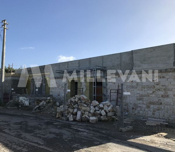 Moderna villa in pietra a Pozzallo