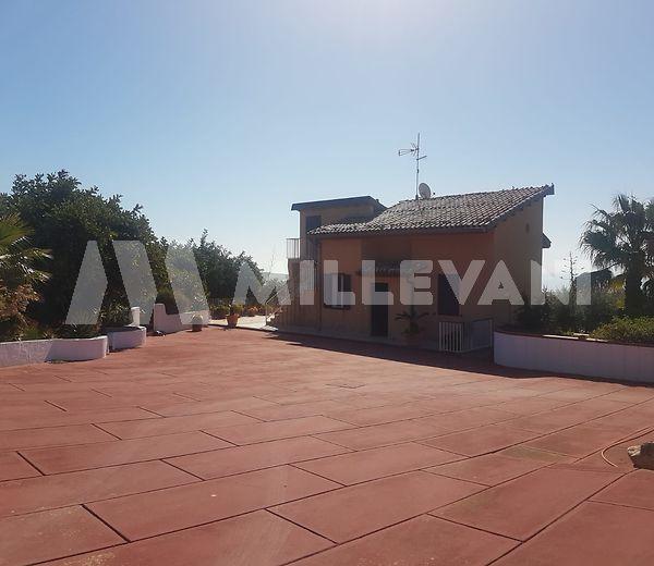Vendita villa in posizione panoramica a sampieri