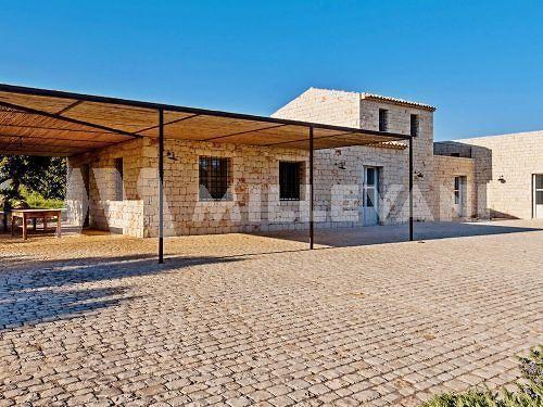 Villa moderna in vendita a Sampieri