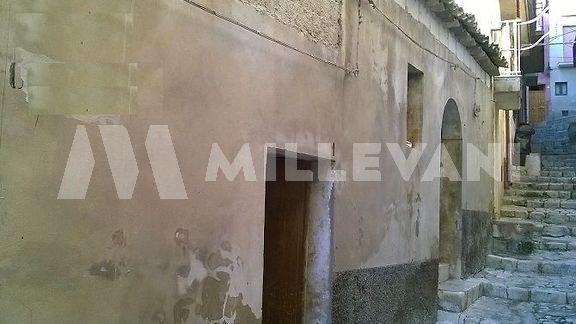 Casa singola da ristrutturare a Scicli