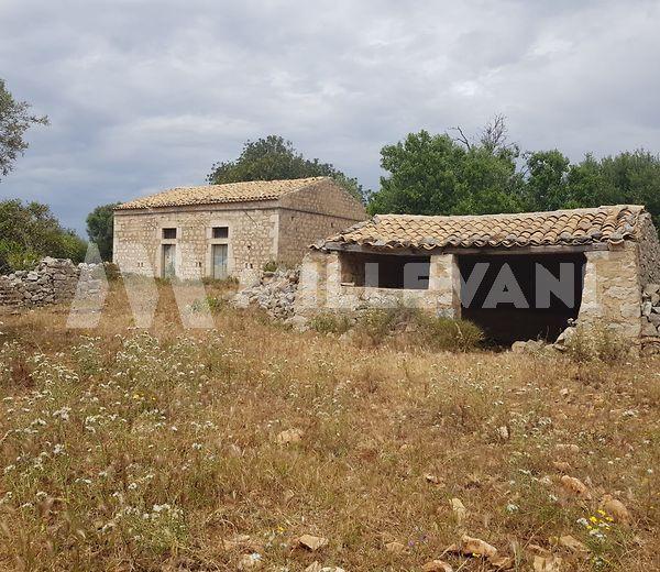 Caseggiato rurale in C.da Scalonazzo a Sampieri, Scicli