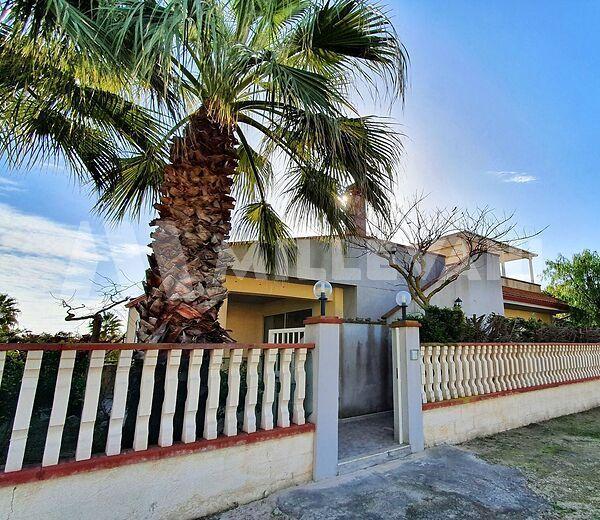 Villetta nei pressi del Viale Kennedy a Santa Maria del Focallo, Ispica