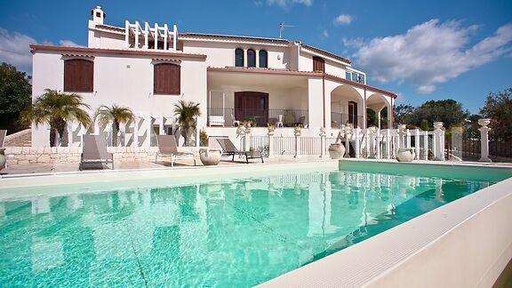 Prestigiosa Villa con piscina a marina di Ragusa