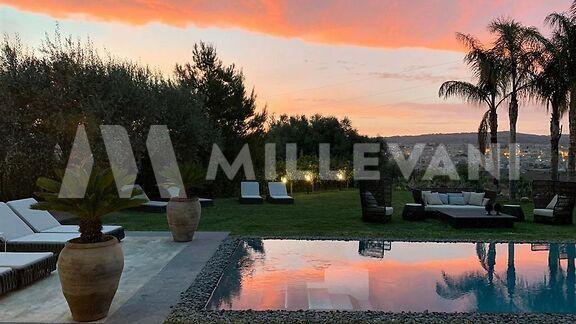 Moderna Villa con piscina nella Val di Noto
