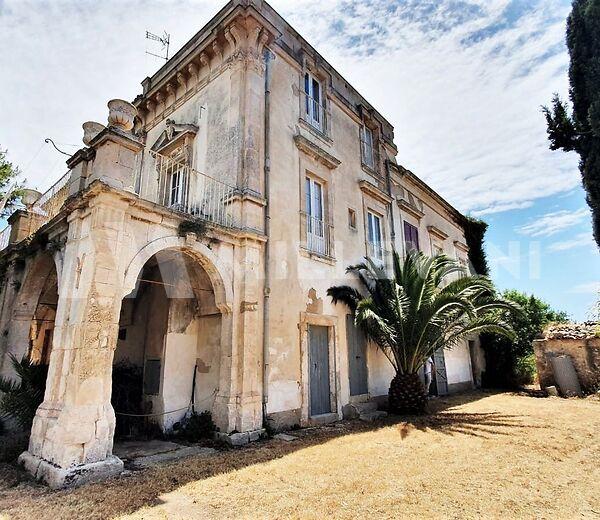Antica Villa del 1800 a Sampieri, Scicli