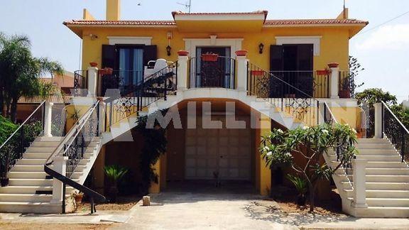 Villa in vendita a Marina di Ragusa