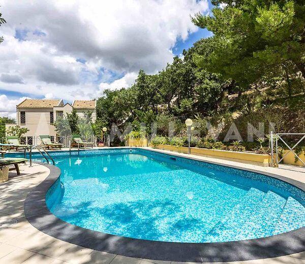 Villa con piscina in posizione dominante in provincia di Agrigento