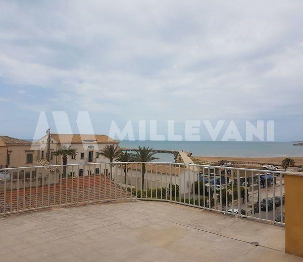 Appartamento con vista mare in vendita a Donnalucata