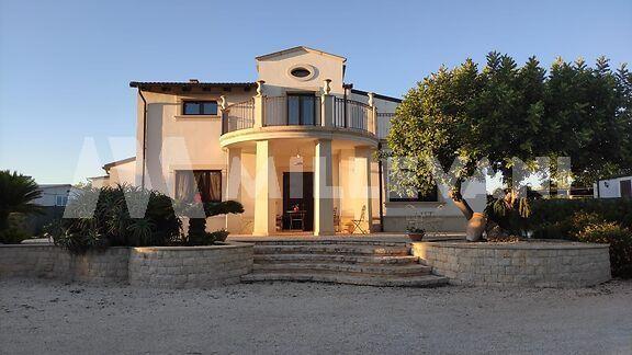 Villa lussuosa in C.da Guadagna