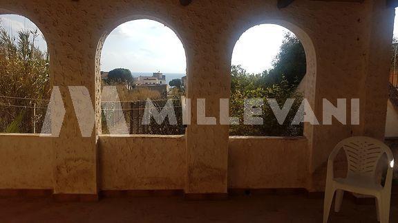 Graziosa villa in vendita a Cava D'Aliga